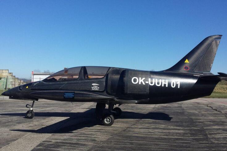 Conheça o avião com motor de moto que faz mais de 300 km/h