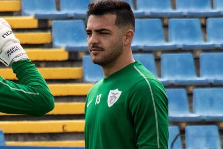 Rodolfo Cardoso renova com o Santa Clara
