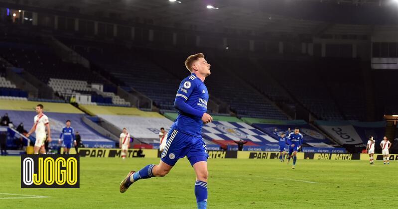 Leicester City vence e invade o segundo lugar da Premier League
