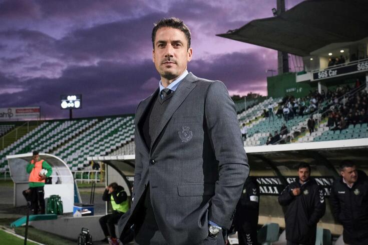 O treinador do Vitória de Setúbal, Julio Velázquez.