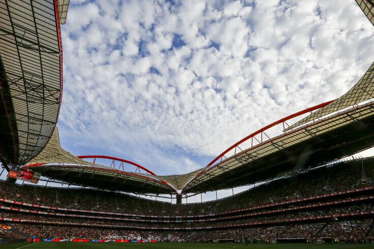 Benfica confirma buscas, mas afasta-se do processo