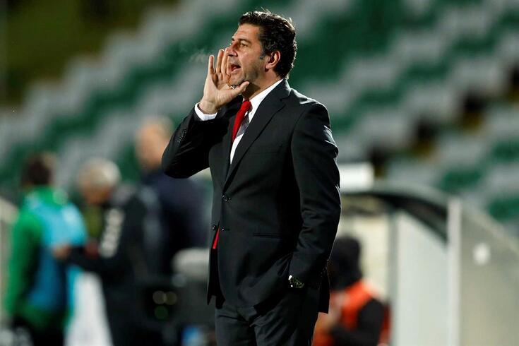 """""""Não foi fácil os jogadores manterem o controlo"""", diz Rui Vitória"""