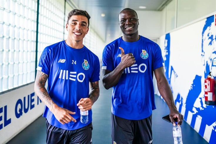 Saravia e Aboubakar no treino do FC Porto.