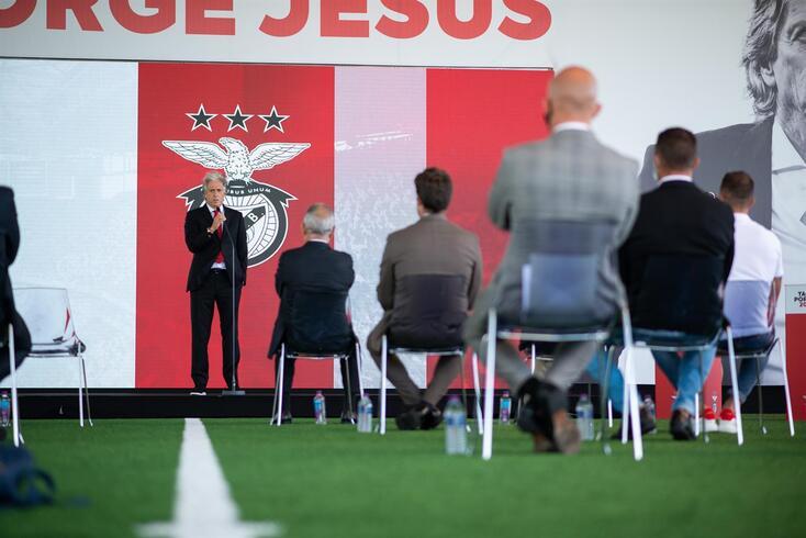 """""""Vieira apostou todas as fichas em Jesus"""", explica o presidente do Flamengo"""