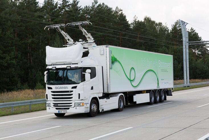 Alemanha já tem auto-estrada elétrica para camiões