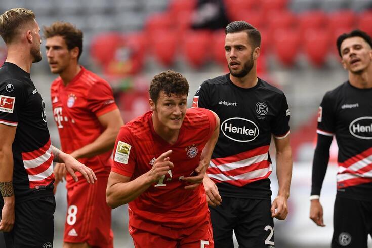 Pavard marcou na goleada do Bayern