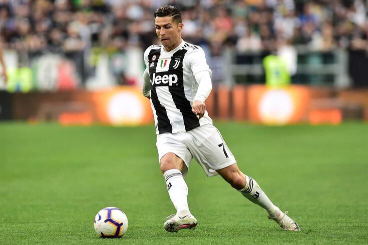 Cristiano Ronaldo impressionou Adebayor nos tempos do Real Madrid