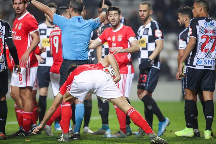 Tribunal O JOGO: o segundo golo do Benfica é bem ou mal validado?