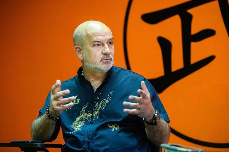 Paulo Araújo, especialista em medicina tradicional chinesa, que já curou muitos jogadores conhecidos