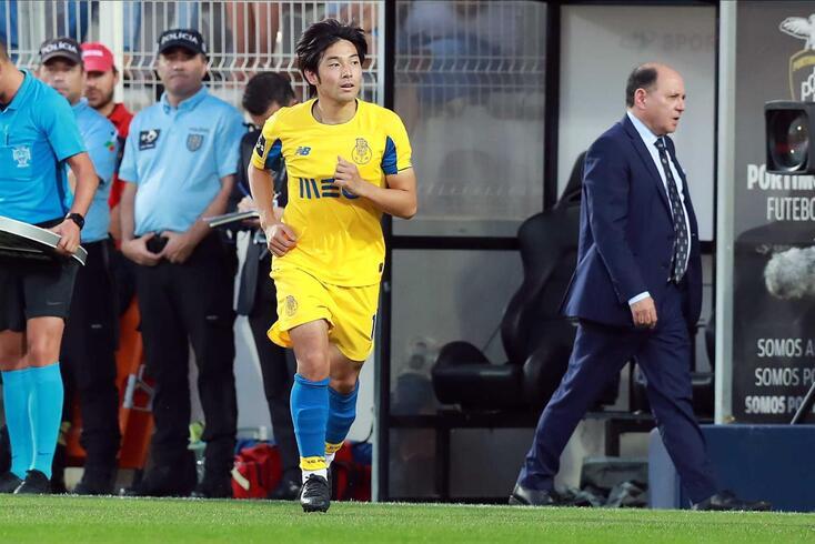 Nakajima é caso para Sérgio Conceição