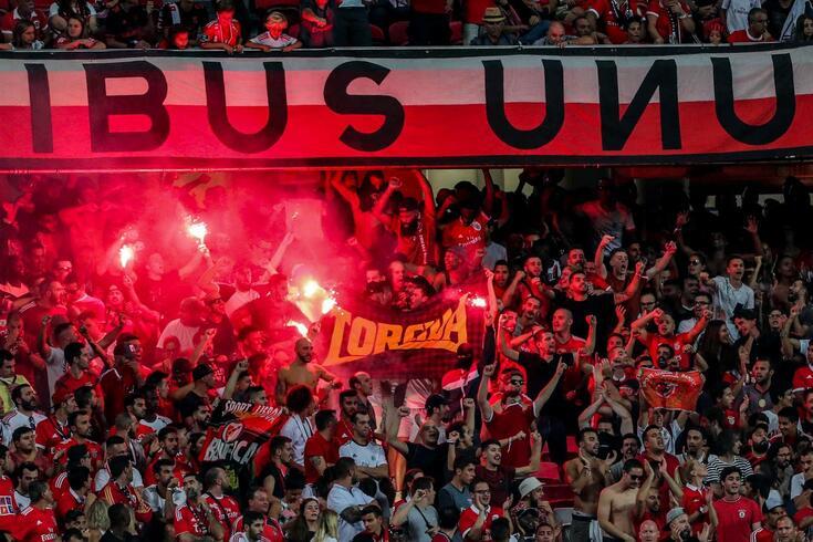 Adeptos do Benfica valem multa ao clube