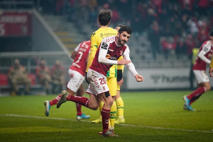 Paulinho marcou os dois golos do Braga frente ao Tondela