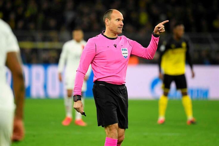 O espanhol Antonio Mateu Lahoz foi o árbitro escolhido para apitar, na quinta-feira, o Sporting--Basaksehir