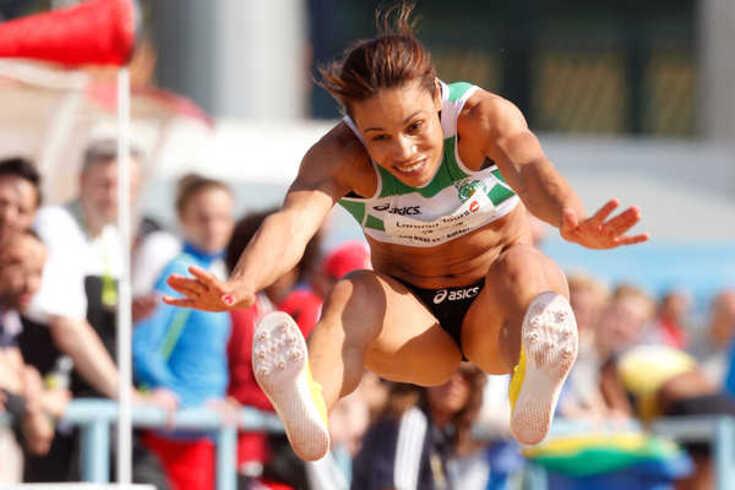 """Naide Gomes comenta medalha, lembra lágrimas e atira: """"Infelizmente nem todos jogam limpo"""""""