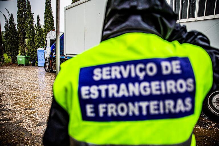 Demissões no SEF após detenção de três inspetores por homicídio ...