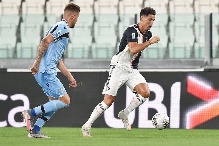 Ronaldo marcou os dois golos do triunfo da Juventus sobre a Lázio, por 2-1