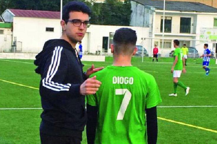 """Um caso insólito em Portugal: """"Mãe, não sou grande jogador, vou ser treinador"""""""