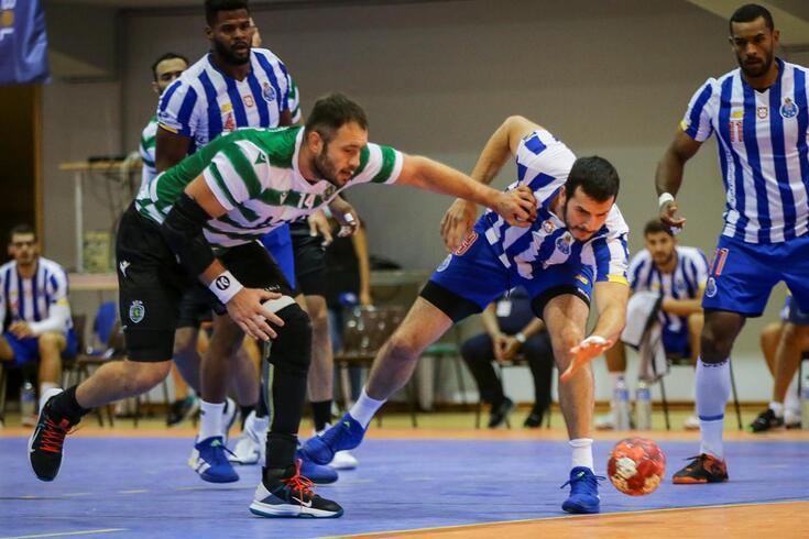 FC Porto e Sporting protagonizaram um intenso duelo