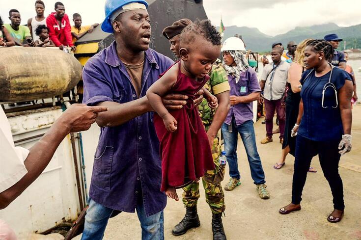 Autoridades conseguiram resgatar dezenas de pessoas com vida