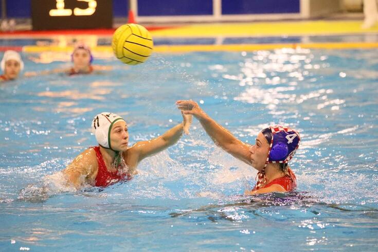 Seleção de polo aquático feminino perde com a Croácia na quailifcação para Europeu