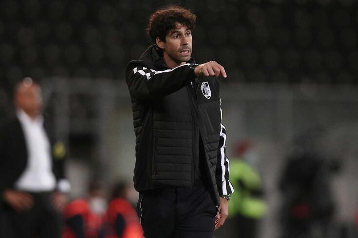 Tiago deixou o comando técnico do Vitória