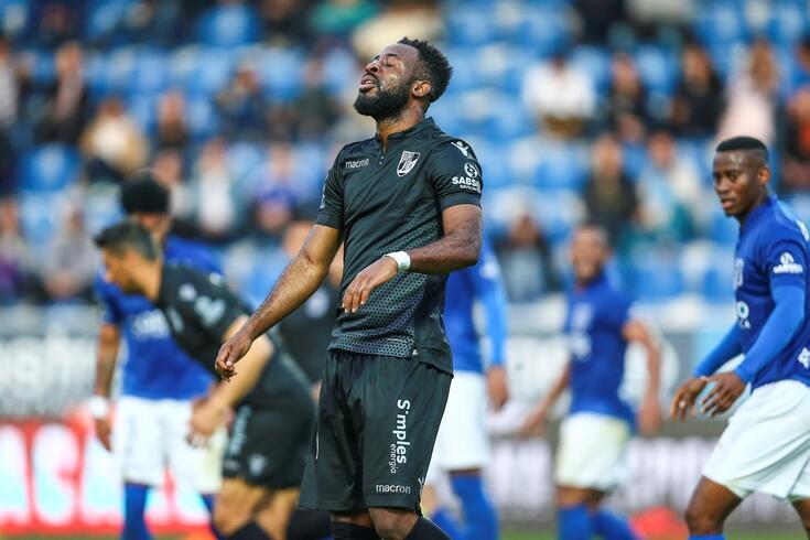 Junior Tallo sem perdão em Guimarães e com despedimento à vista