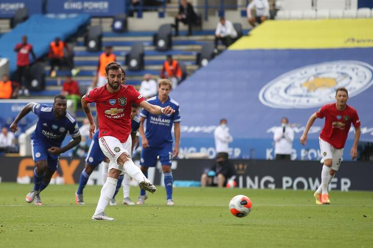 Manchester United's Portuguese midfielder Bruno Fernandes scores the opening goal from the penalty spot