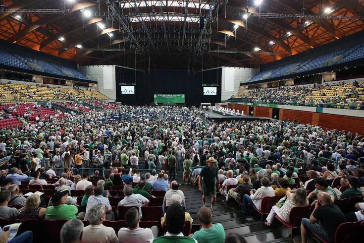 Assembleia geral de destituição dos órgãos sociais do Sporting Clube de Portugal, convocada pela mesa