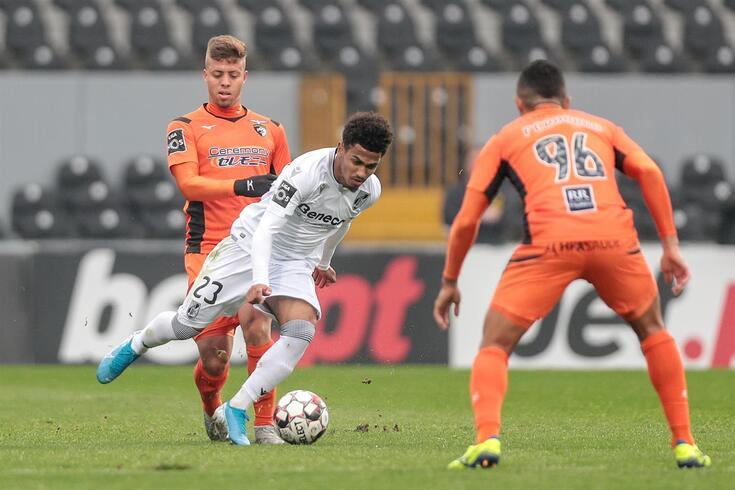 Vitória de Guimarães entra a marcar e vence Portimonense: veja o resumo
