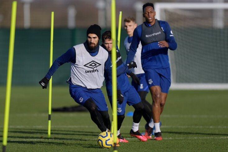 André Gomes de regresso aos treinos do Everton