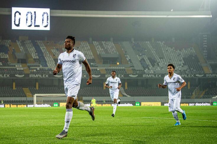 Mikel Agu marcou no Vitória-Belenenses