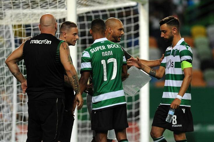 Fernando Mendes e Nuno Mendes, este líder da Juve Leo, tentaram aproximar-se de Nani e Bruno Fernandes