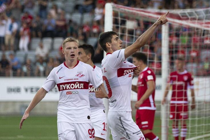 Bakaev (à direita) é o organizador de jogo do Spartak