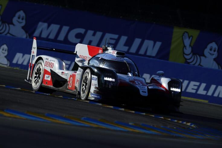24 Horas de Le Mans: Toyota garante primeira linha