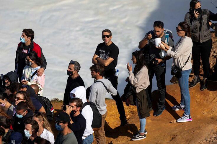 """""""Conseguiu-se dispersar a multidão"""" na Nazaré após corte de estrada e reforço de meios"""