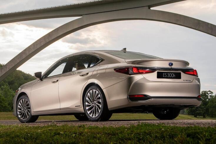 """Marianne Merkt e o novo Lexus ES 300h: """"O design é fantástico e um grande passo em frente"""""""