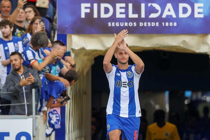 Diogo Queirós, defesa-central cedido pelo FC Porto ao Mouscron