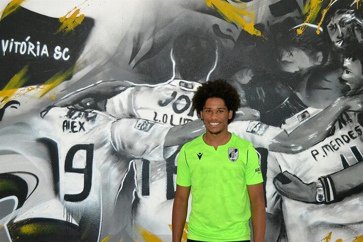 Mário Évora assinou por duas temporadas