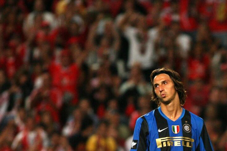 Zlatan Ibrahimovic trocou o Inter pelo Barcelona em 2009