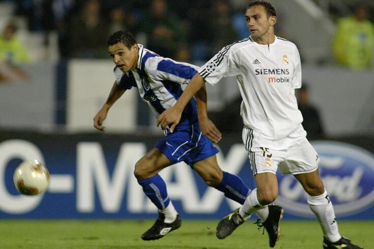 Raúl Bravo, aqui ao serviço do Real Madrid, em jogo com o FC Porto