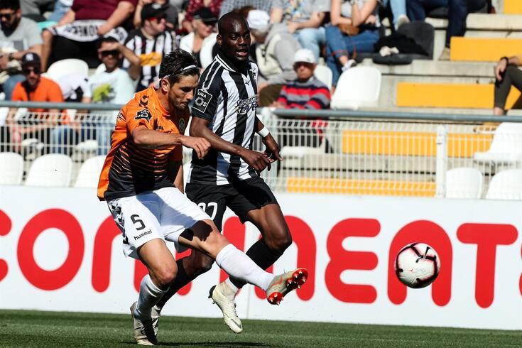 Mauro Cerqueira numa partida com o Portimonense
