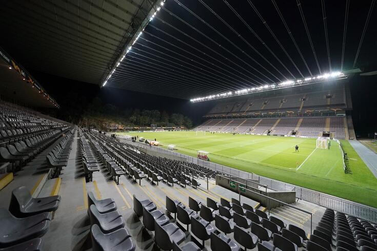 Braga e AEK num duelo da ronda inaugural