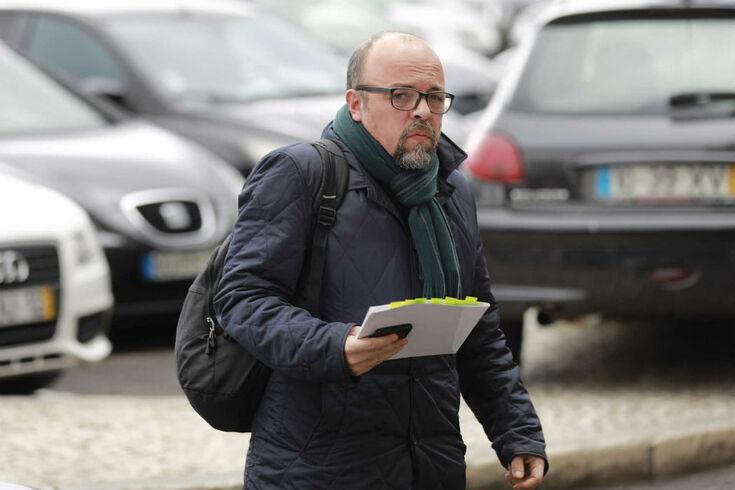 """Nuno Saraiva questiona: """"O professor doutor Meirim já leu estas pérolas do Seixal?"""""""