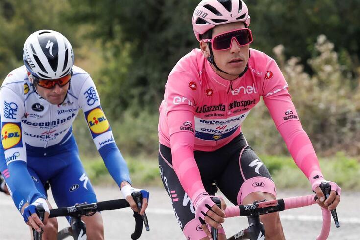 João Almeida continua de Rosa no Giro