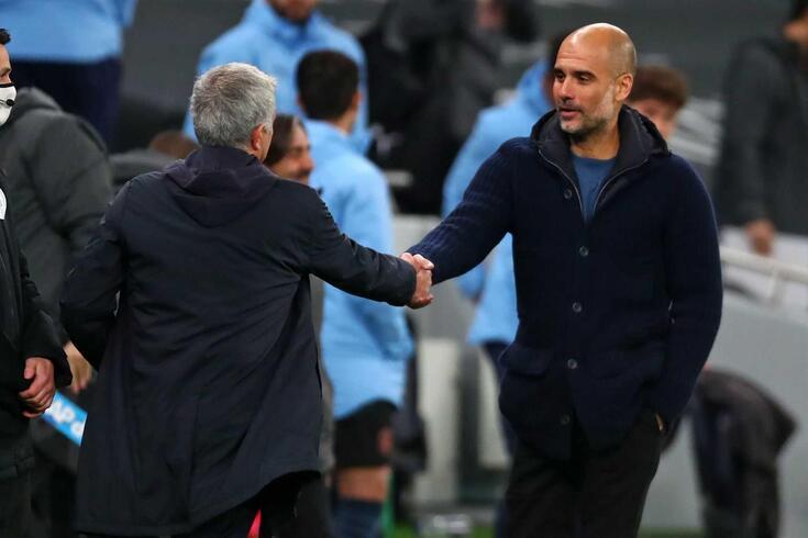 José Mourinho cumprimenta Pep Guardiola