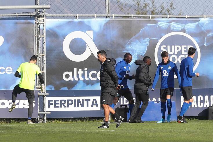 Depois de bater o Vitória, FC Porto começou a preparar a final da Taça da Liga