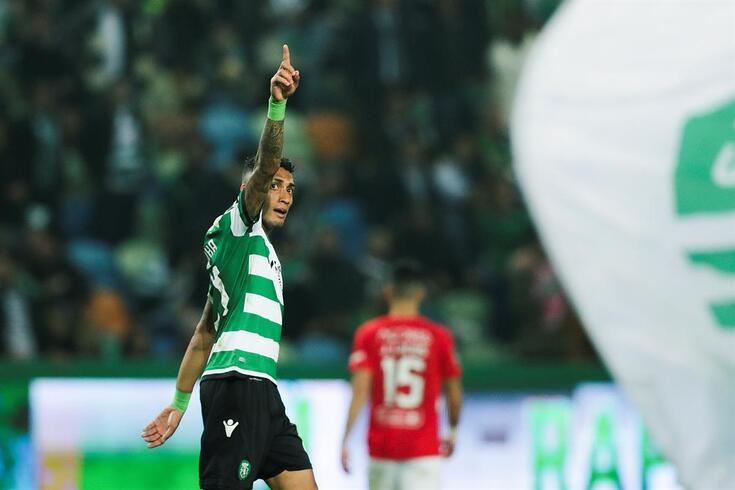 Sporting vence Santa Clara, mete a terceira e pressiona o Braga
