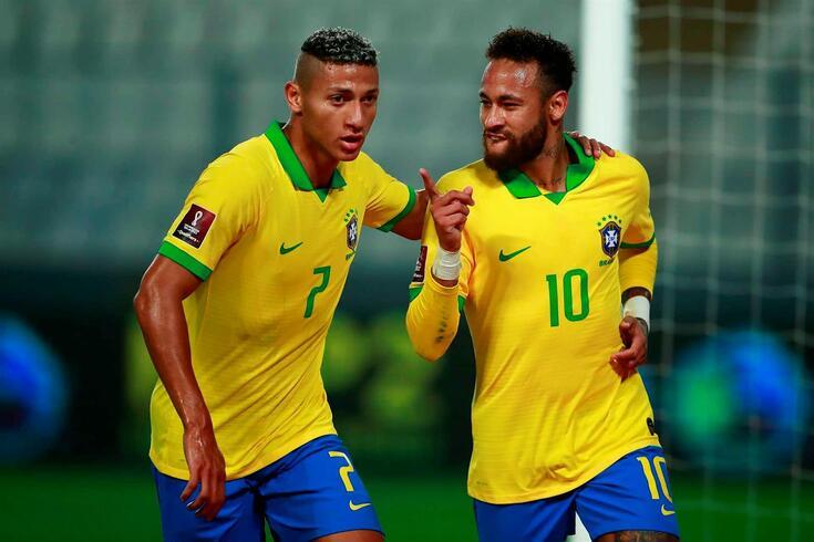 Neymar e Richarlison, colegas de equipa na seleção do Brasil