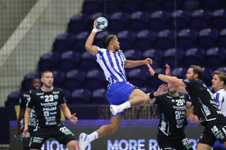 FC Porto entrou a perder na Champions