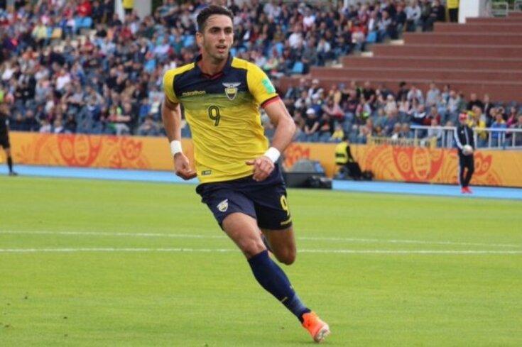 Wolverhampton agarra jovem promessa do Equador